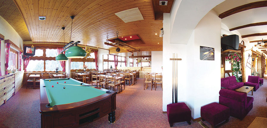 Hotel Edelweiss pool table